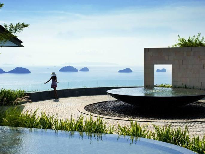 Fountain and Seashore